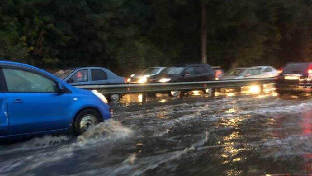 После ливня затопило дорогу между Советским и Фокинским районами Брянска