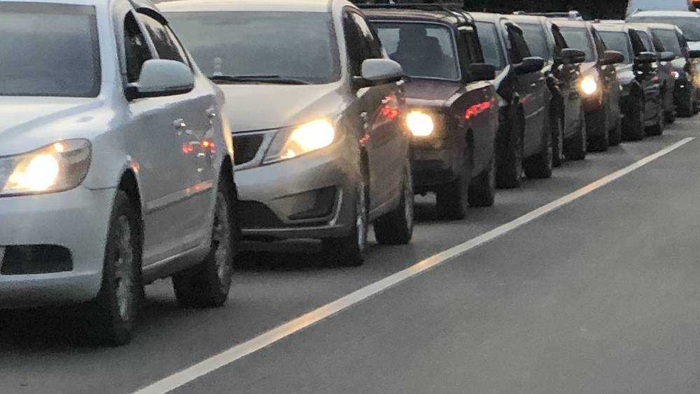 Под Брянском по объездной дороге растянулась 7-километровая пробка