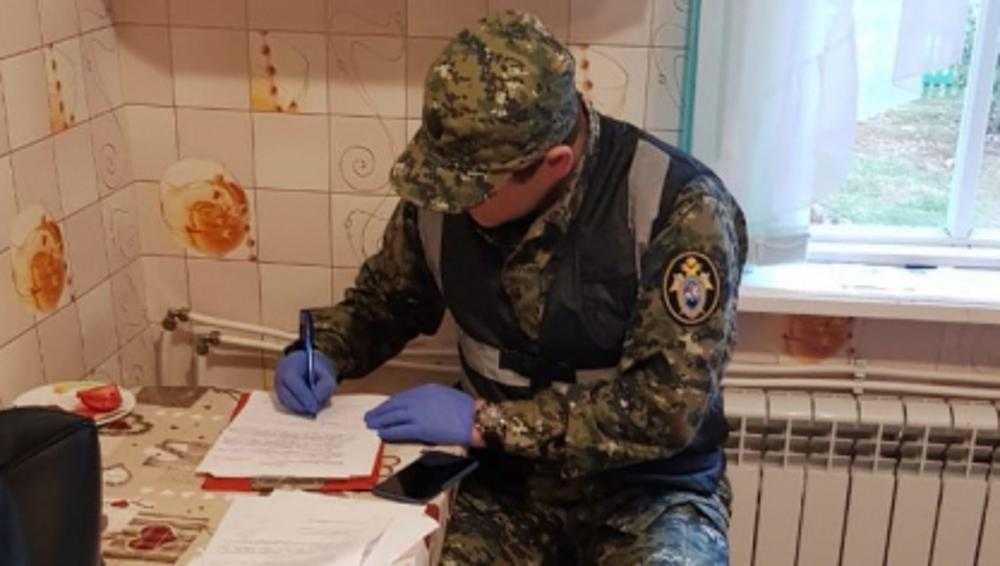 Комаричских чиновников задержали за 430 тысяч рублей взяток