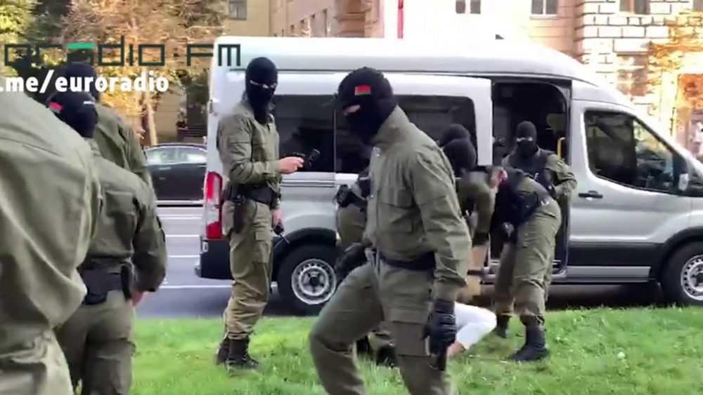 На несанкционированных акциях в Минске задержали нарушителей