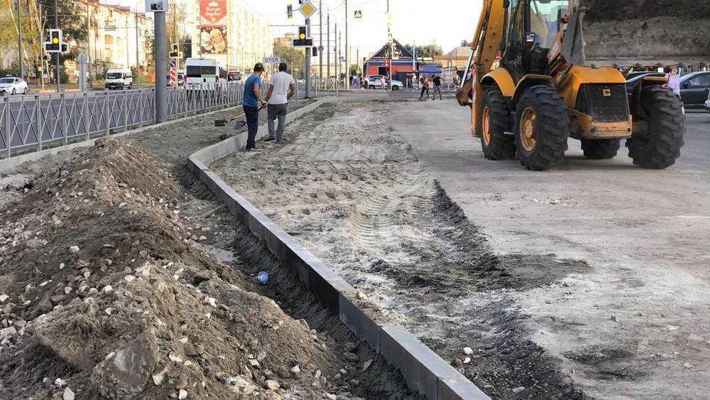 В Брянске оштрафовали за уничтожение нового тротуара хозяина ТЦ «Куб»