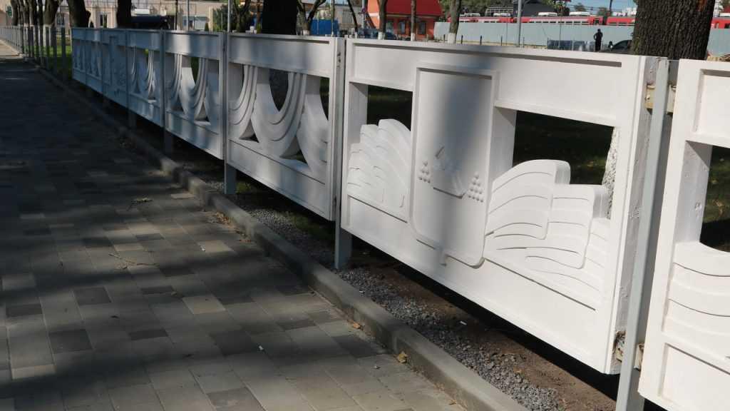 Фонтан у брянского вокзала обрел новую форму
