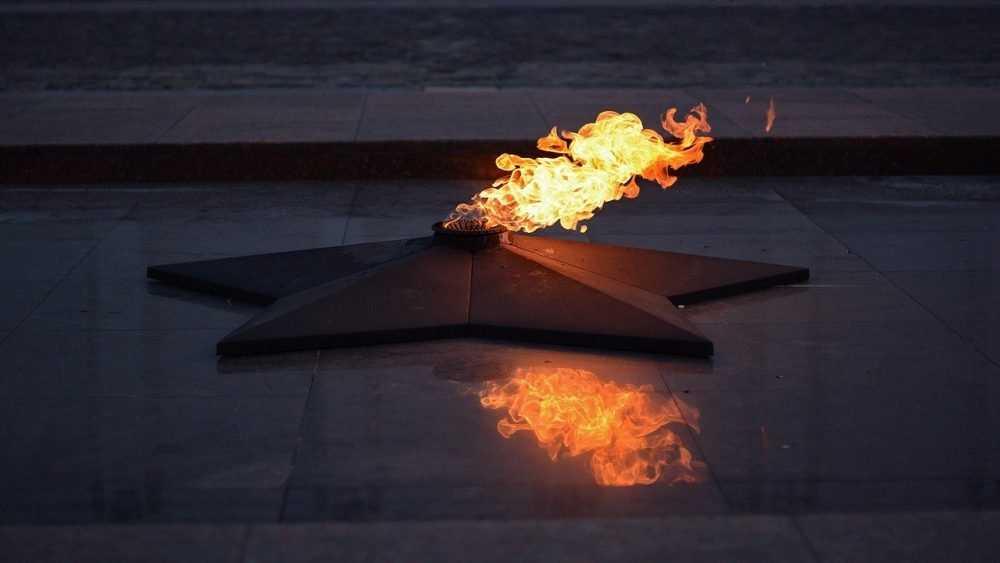 Брянская полиция проверила инцидент у Вечного огня
