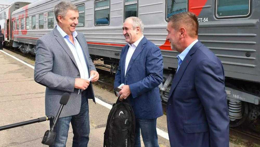 В Брянск приехал глава фракции «Единой России» в Госдуме Сергей Неверов