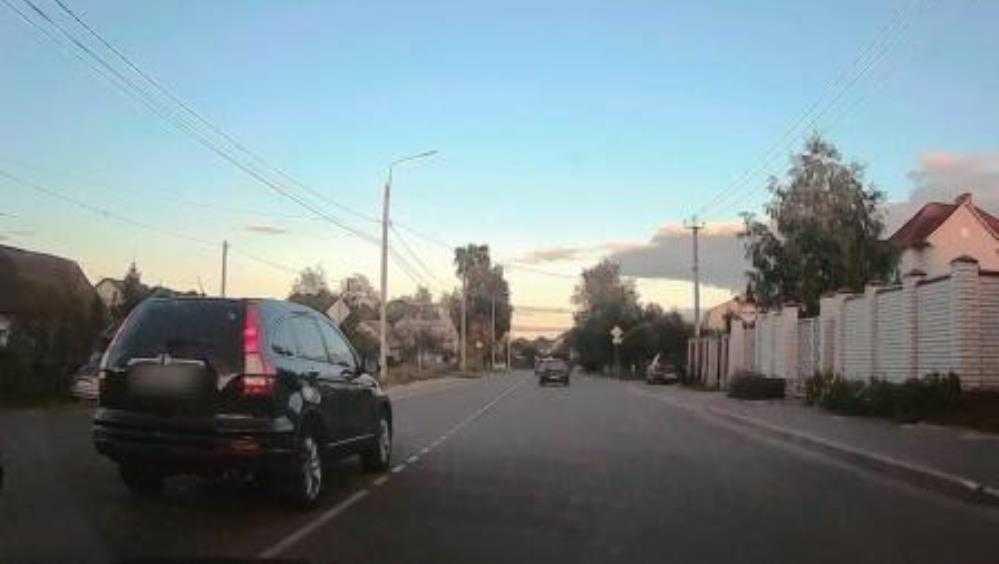 В Брянске водителя Honda наказали по видео за гонки по встречной полосе