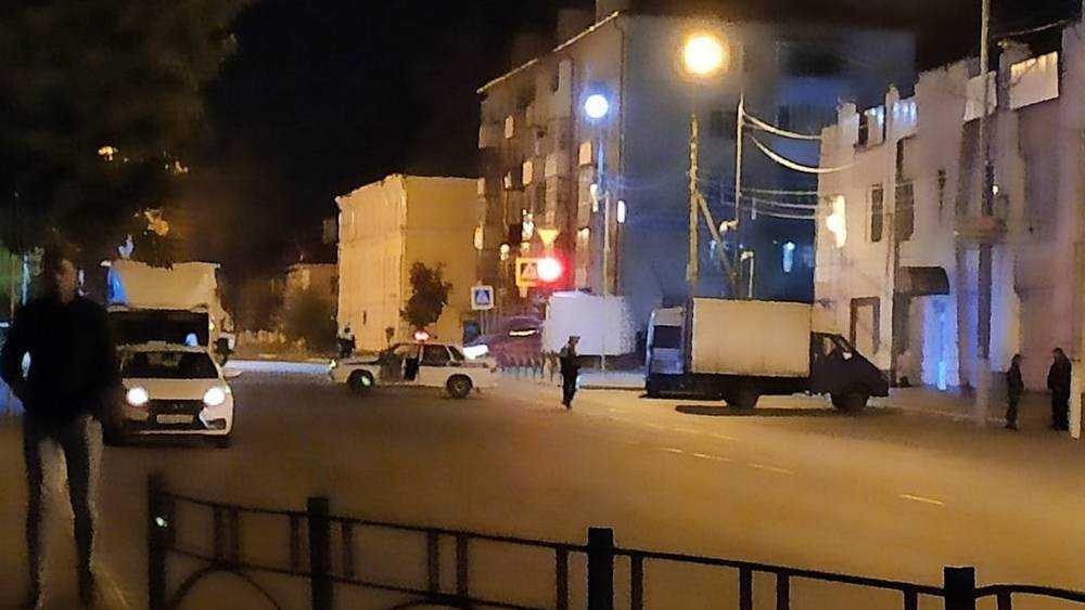 В Брянске возле ТЦ «Командор» полиция перекрыла дорогу
