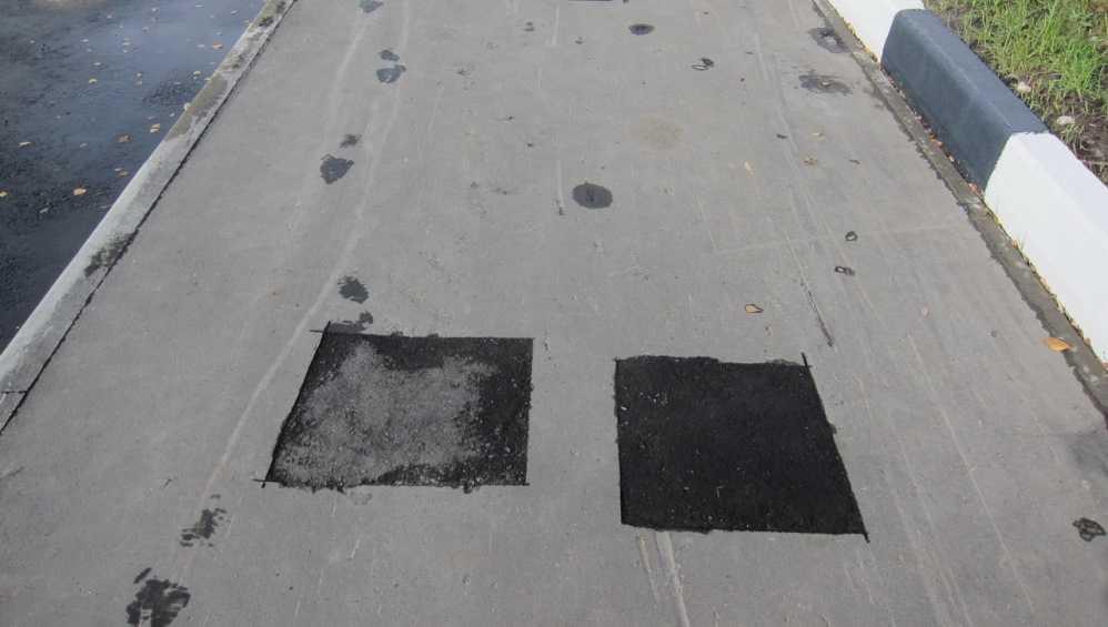 В Брянске подрядчику велели устранить брак при строительстве тротуара