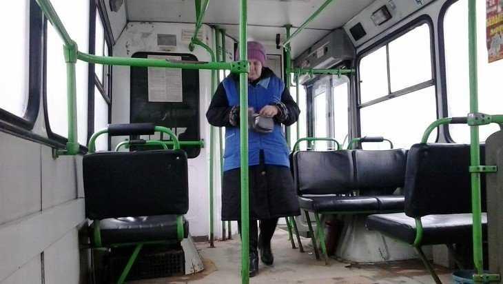 В брянском автобусе парень спас мужчину с приступом эпилепсии