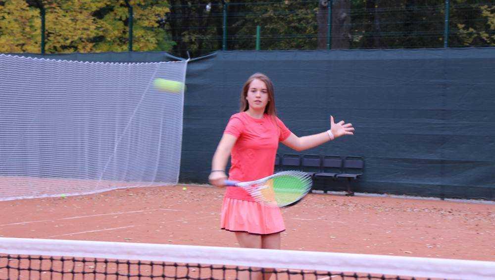 Брянский теннисный центр ввел в эксплуатацию открытые корты