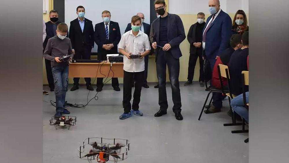 В Дятькове открыли детский центр для подготовки будущих инженеров