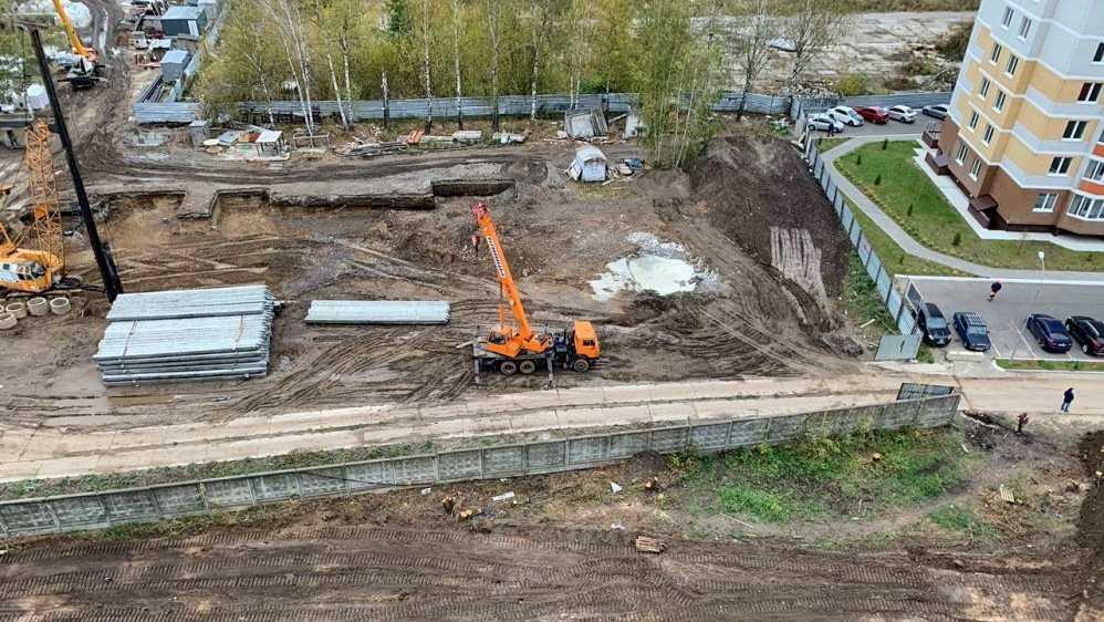 В Брянске начали строить новую дорогу в старом аэропорту