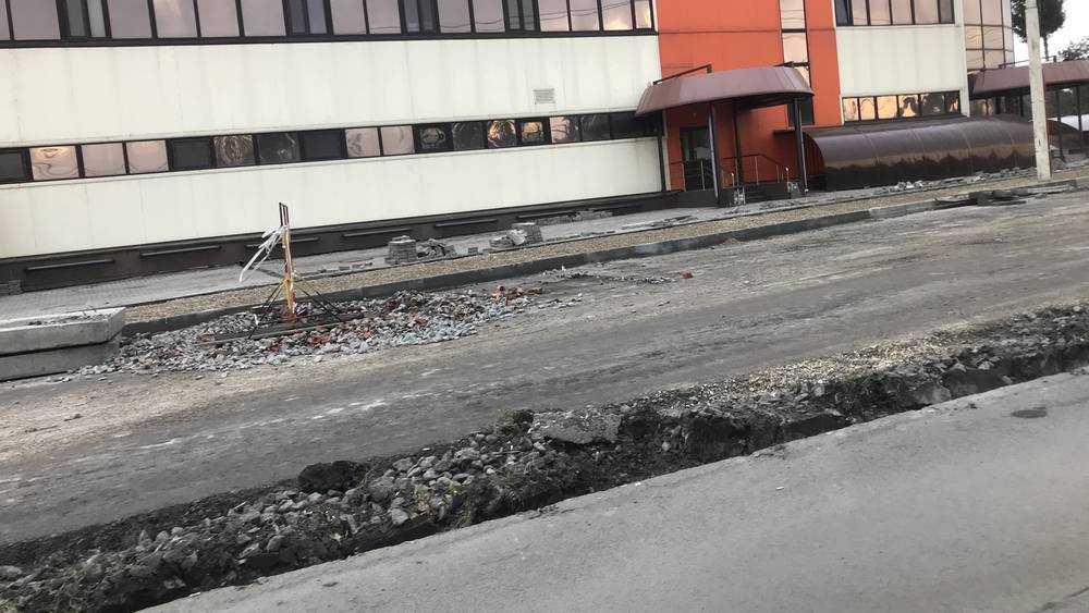 В Брянске стали расширять дорогу на Городищенской горке