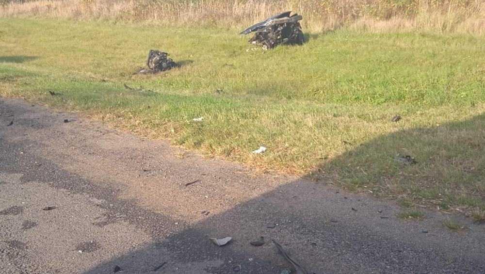 Под Брянском на трассе в ДТП легковушку разорвало на части