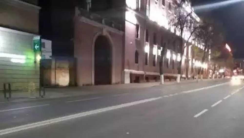 В центре Брянска пенсионер на внедорожнике сбил женщину на тротуаре
