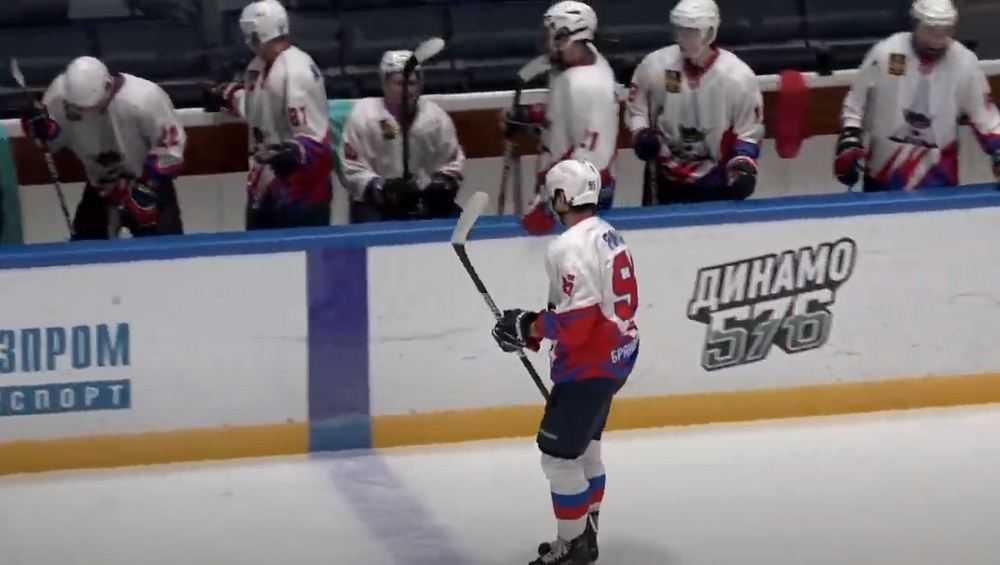 В Санкт-Петербурге брянские хоккеисты проиграли второй матч подряд
