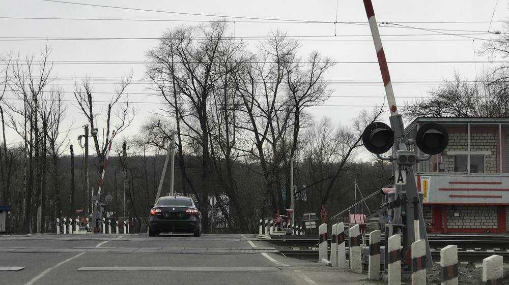 Железнодорожники  предотвратили ДТП на переезде в Брянской области