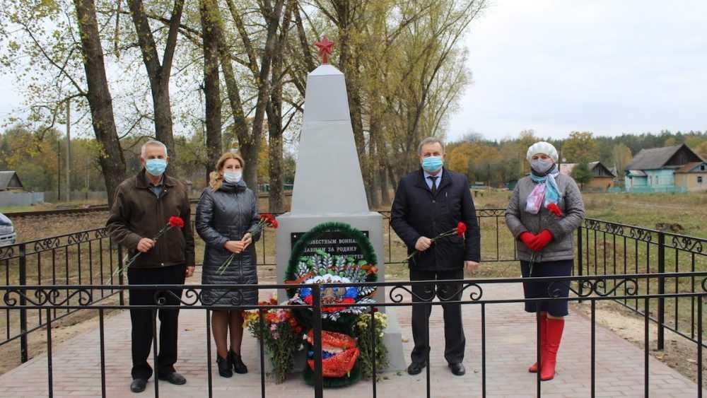 В Суземском районе после реконструкции открыли памятник бойцам Великой Отечественной войны