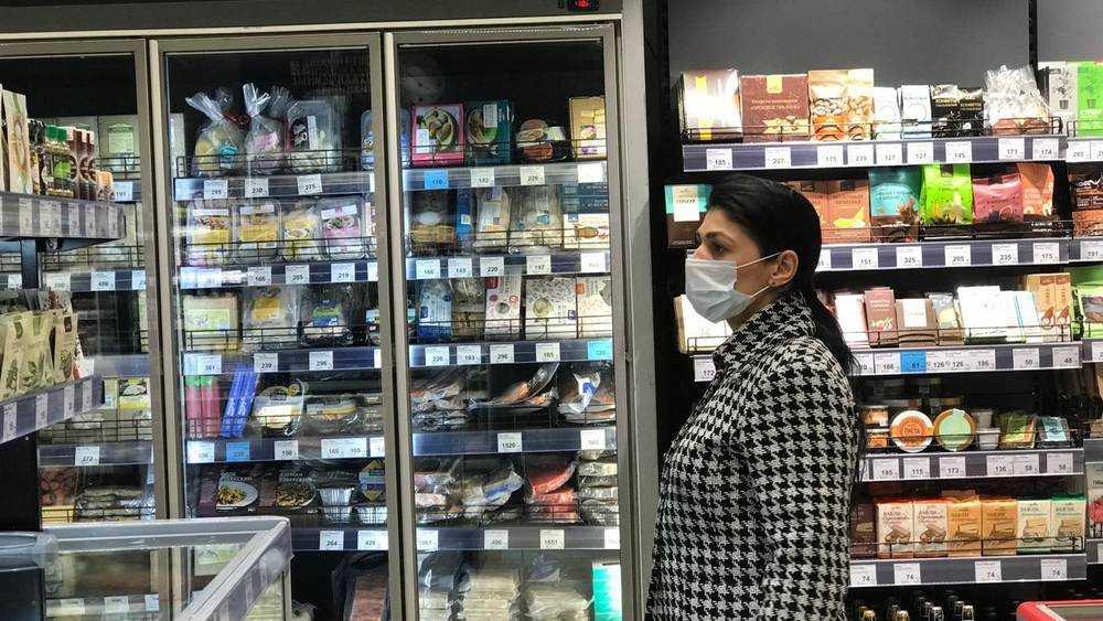 Специалист назвал срок выхода России на плато по заболеваемости COVID-19