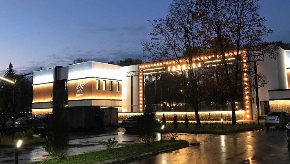 В самом большом ресторане Брянска займут только половину мест