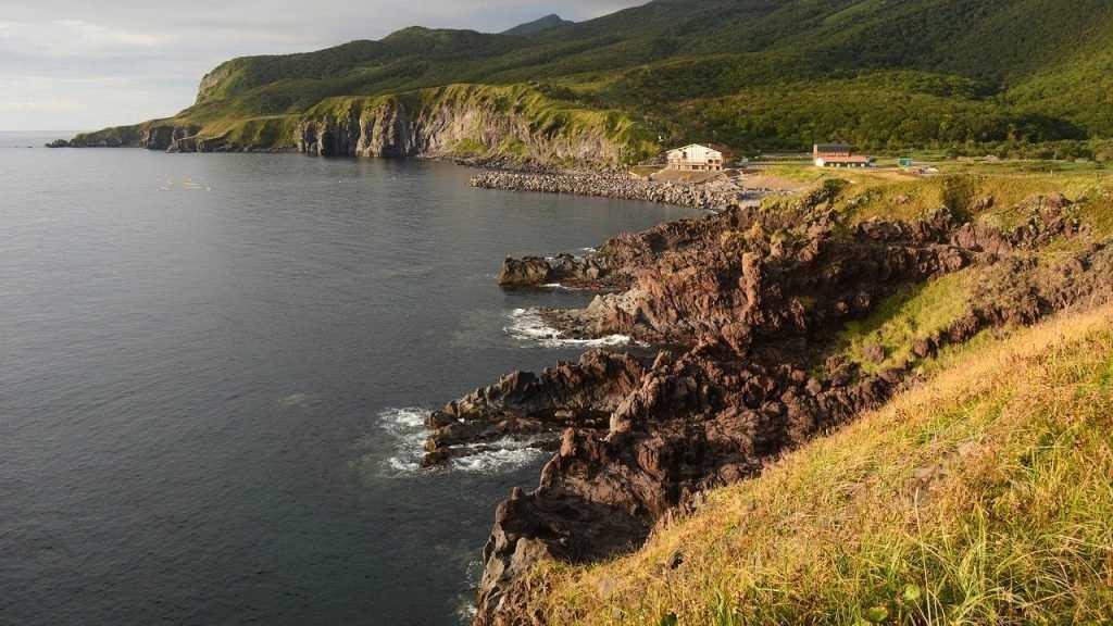 Премьер Японии заявил о необходимости решения проблемы Курильских островов