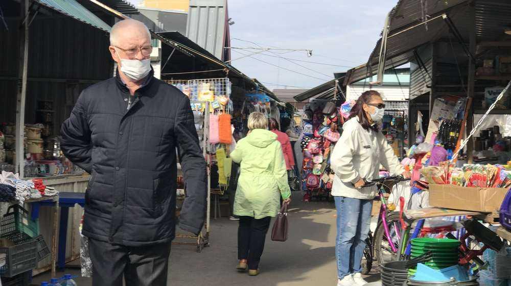 Ношение перчаток признали избыточной и вредной мерой борьбы с вирусом