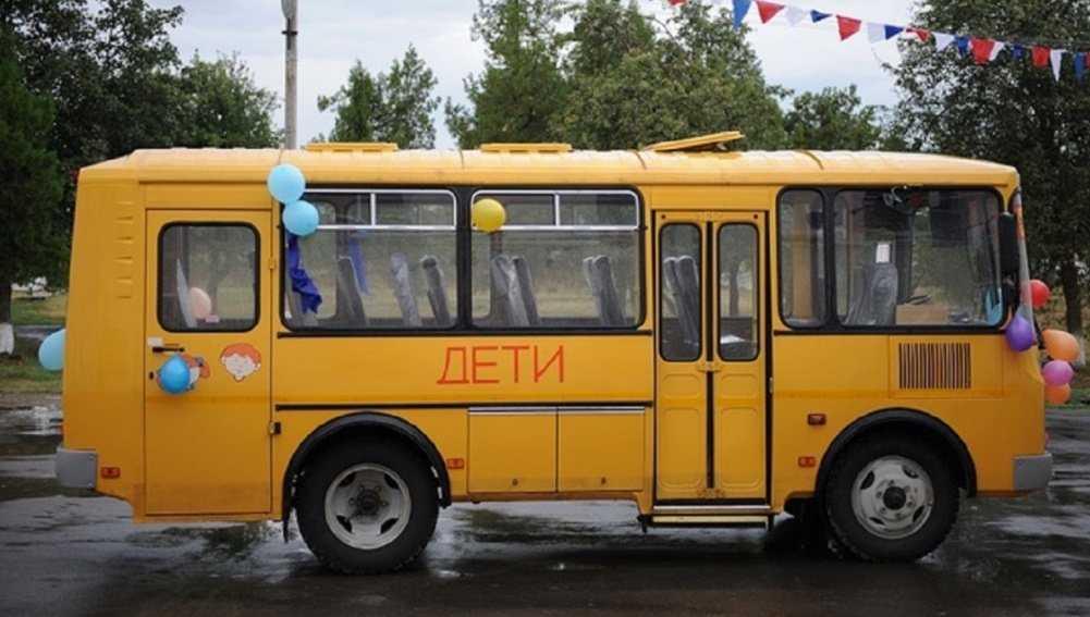 В Новозыбкове Брянской области автобус ПАЗ протаранил остановку