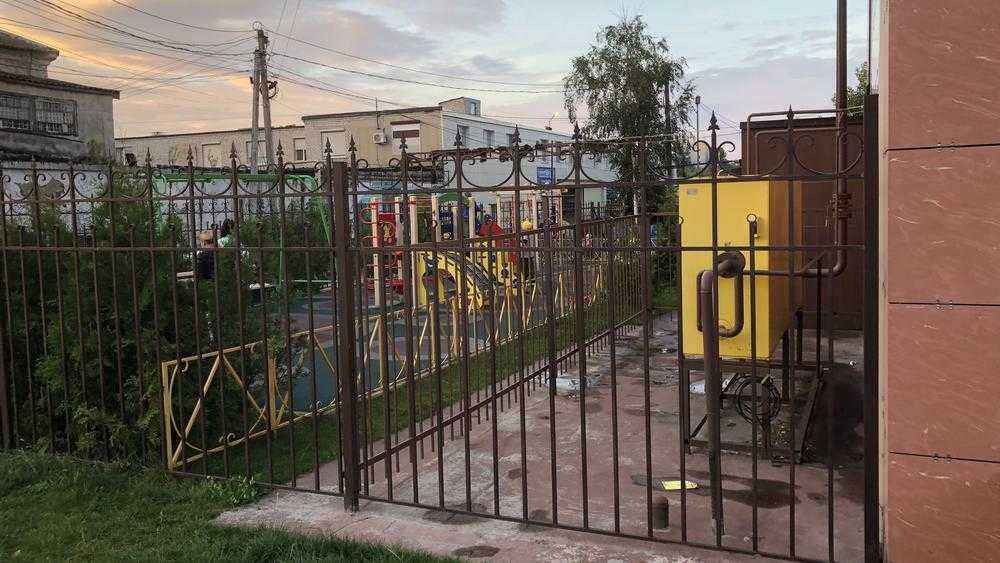 Брянским детям выделили площадку возле газового оборудования