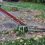 В Брянске активисты нашли опасные детские площадки