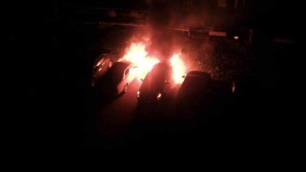В Брянске на улице Красноармейской утром сгорели две легковушки