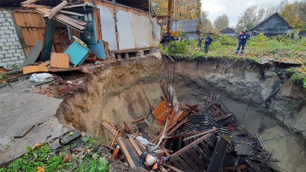 Делом об обрушении дома в брянском посёлке занялся Следственный комитет
