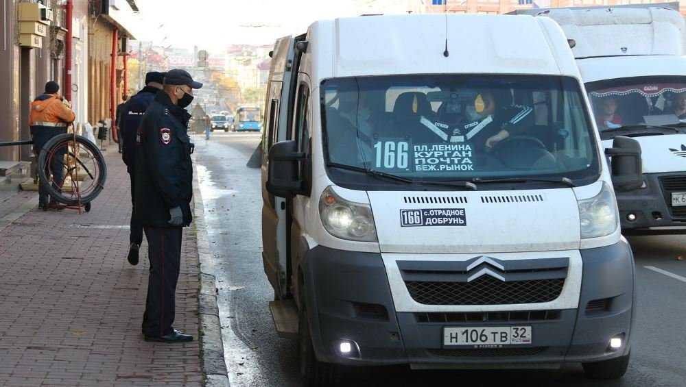 В Брянске составили 53 протокола на нарушителей масочного режима