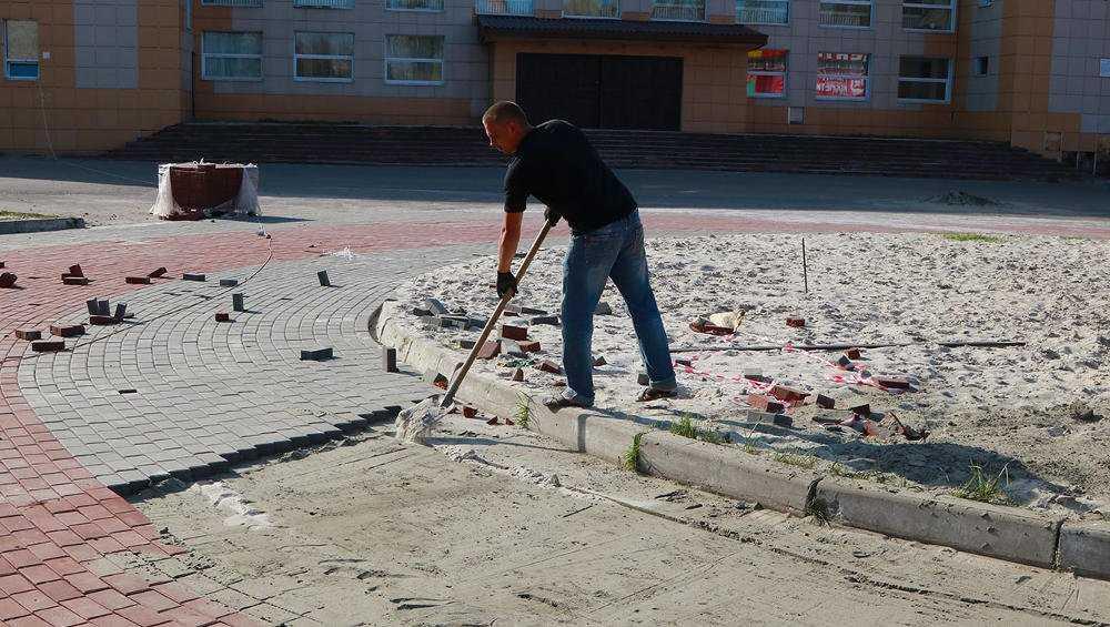 В Брянске по инициативе горожан отремонтируют 13 территорий
