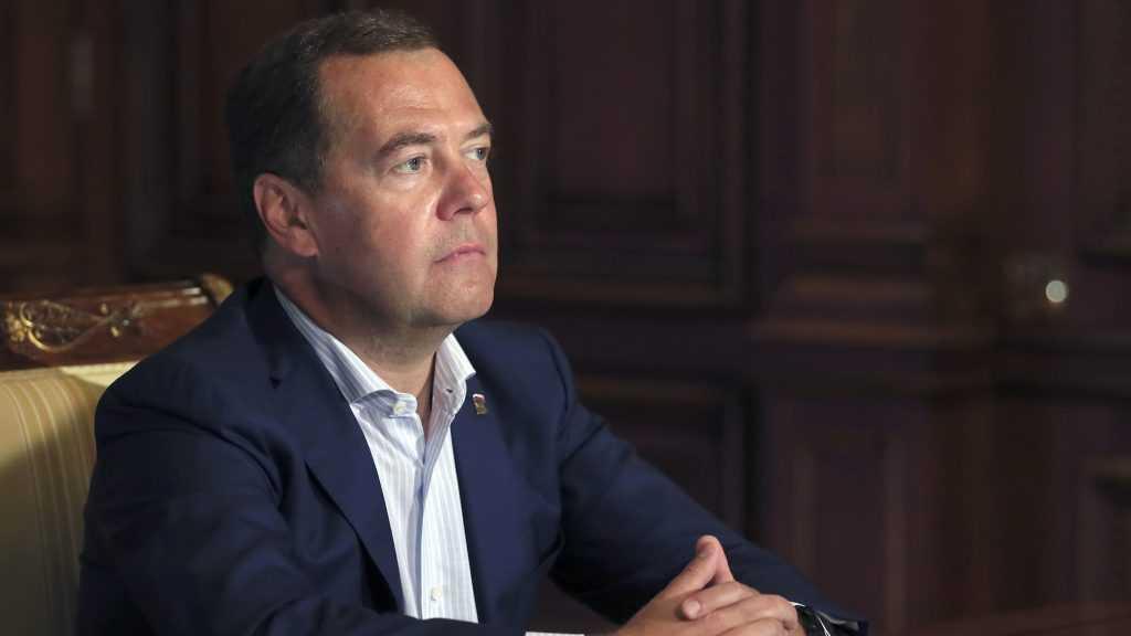 Дмитрий Медведев поздравил Александра Богомаза с избранием на пост губернатора