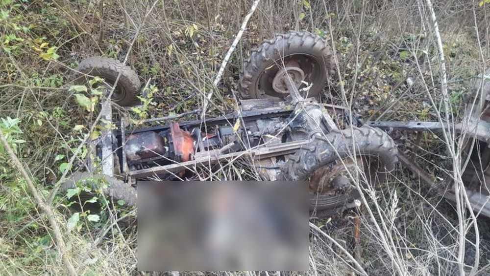 В Дятьковском районе в опрокинувшейся самоделке погибли два человека