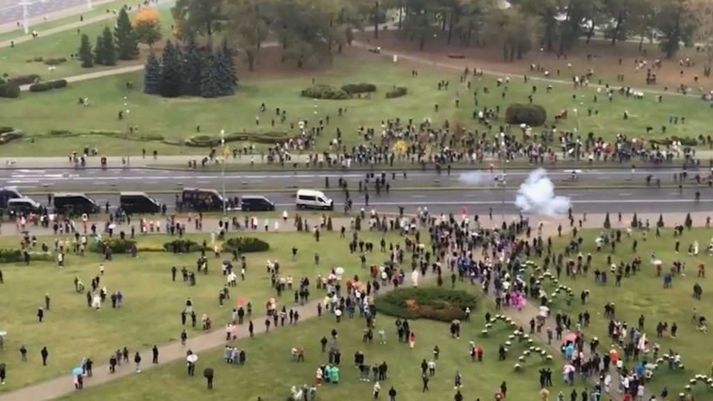 Силовики разогнали экстремистов на улицах Минска
