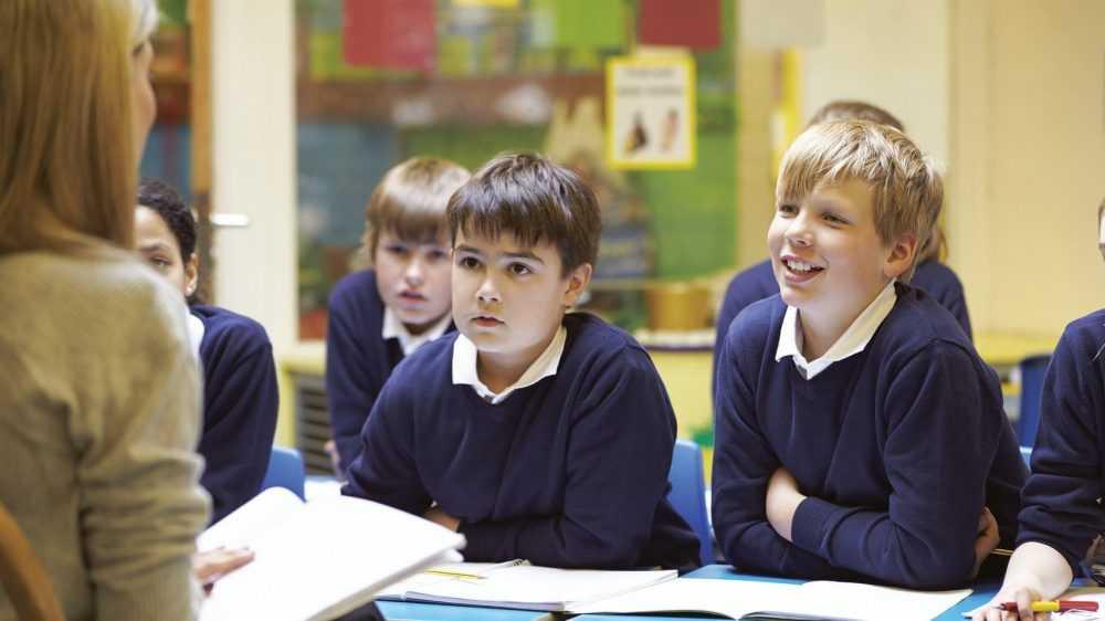«За проверку тетради – меньше одного рубля»: учительница удивила россиян размером зарплаты