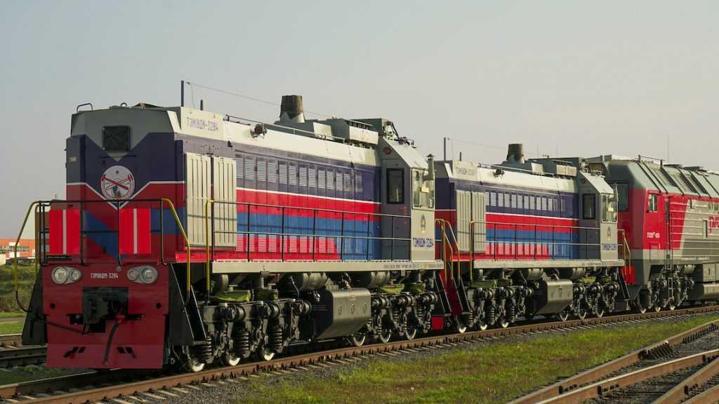 ТМХ отправил в Монголию два маневровых тепловоза ТЭМ18ДМ