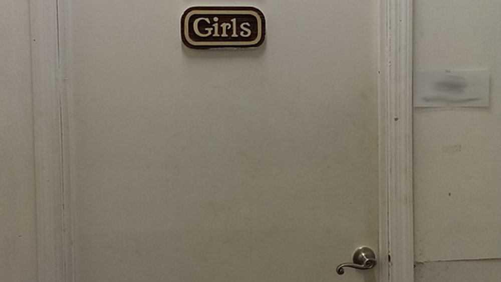 Любительница фастфуда в Клинцах пострадала в кафе