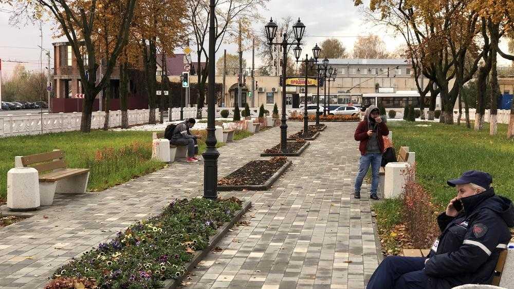 Фонтан и шар с привокзальной площади Брянска увезли в другие города