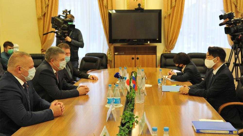 Посол призвал губернатора развивать связи Японии и Брянской области