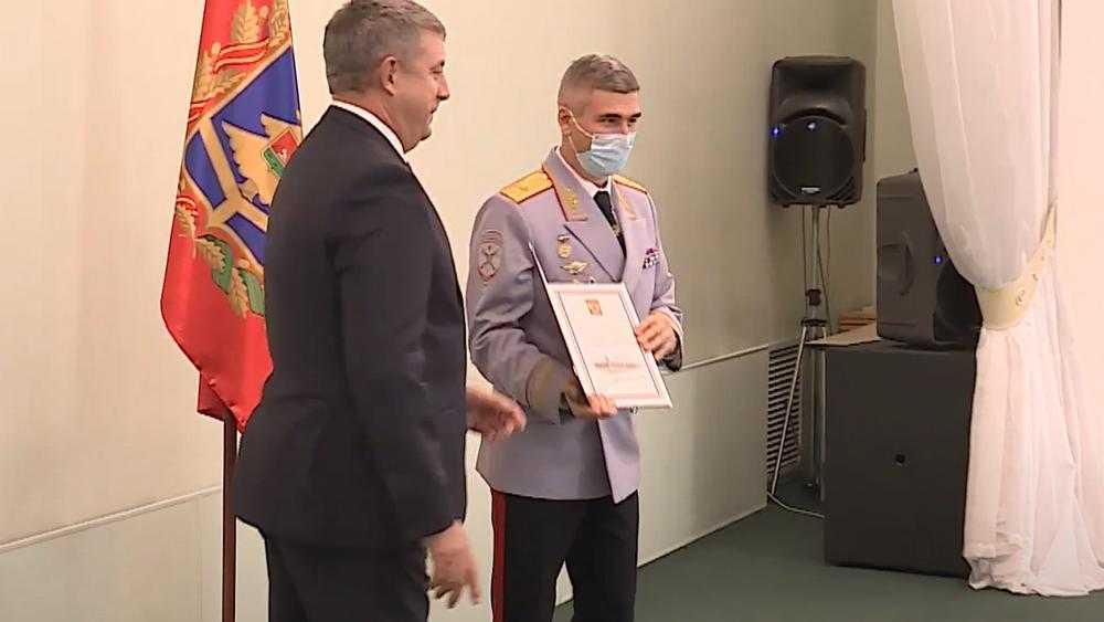В Брянске наградили отличившихся по службе сотрудников органов внутренних дел