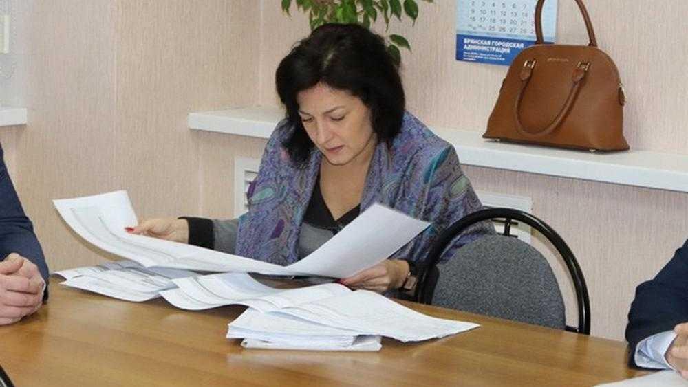 Уволенная брянская чиновница оказалась в центре дорожного скандала