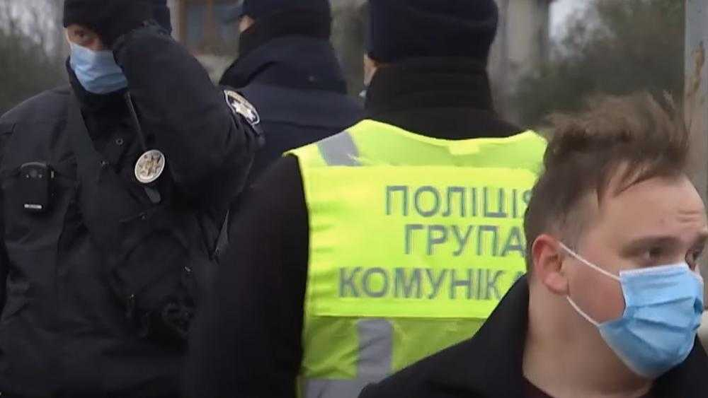 Украина взбунтовалась против коронавирусного карантина