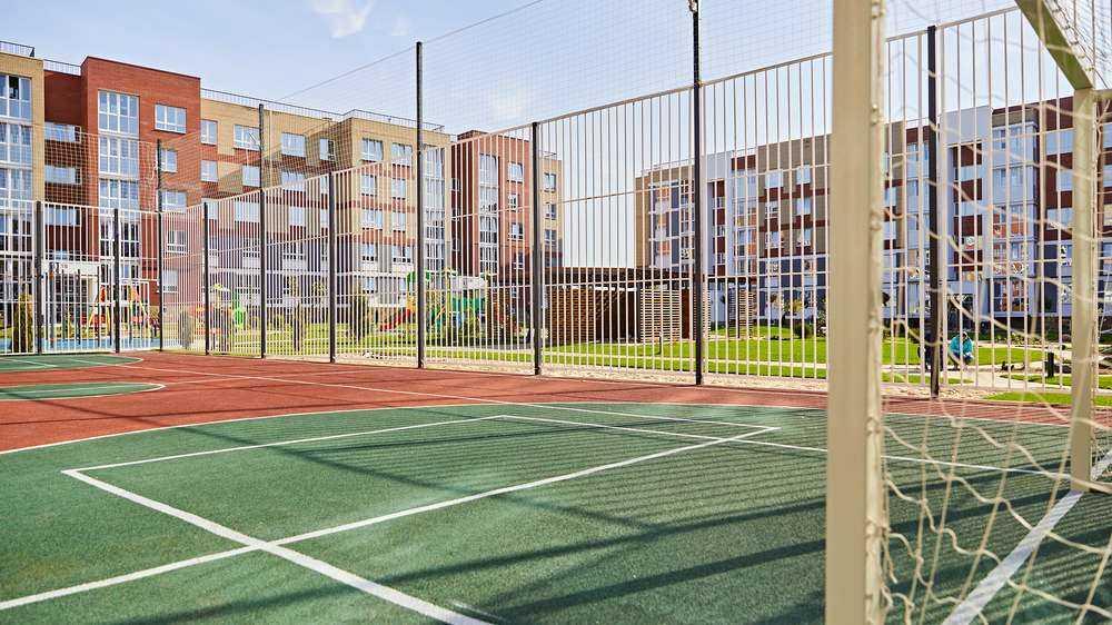 В Брянске впервые построили кластер домов с двором без машин