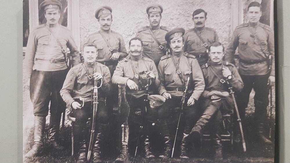 Брянец опубликовал интересный снимок гусарского полка Михаила Романова
