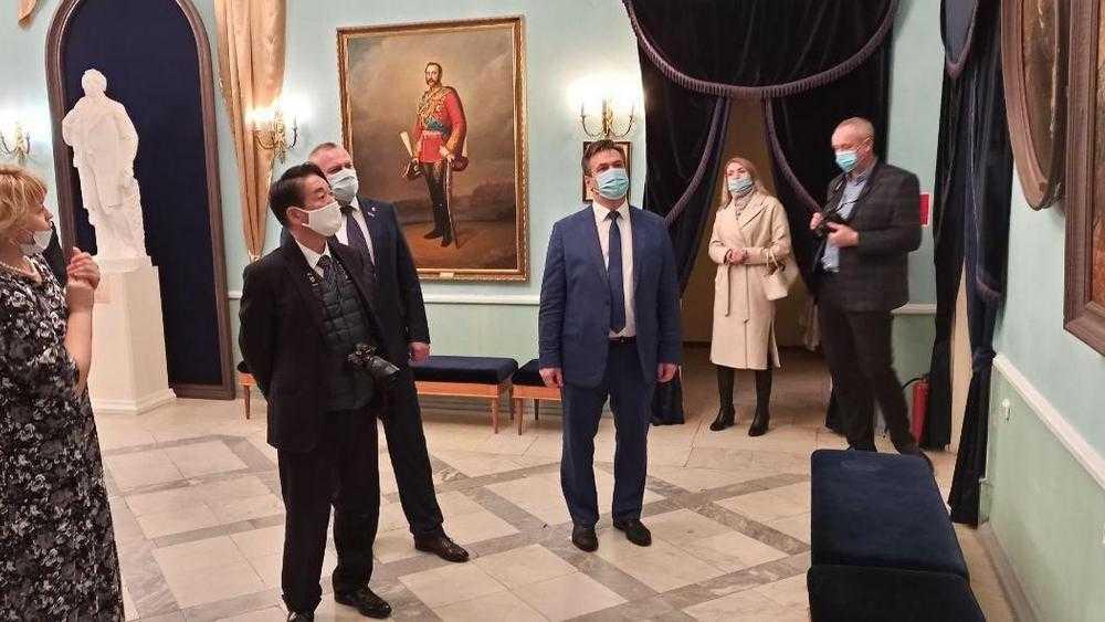 Японского посла впечатлил музей-заповедник в тютчевском Овстуге
