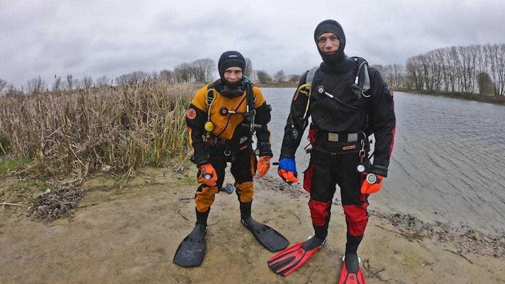 Брянские ныряльщики начали охоту на таинственную белую рыбу