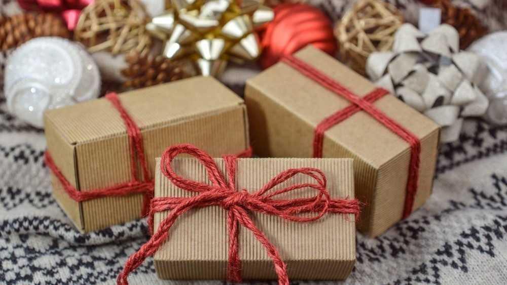 Почему дети так любят сладкие подарки
