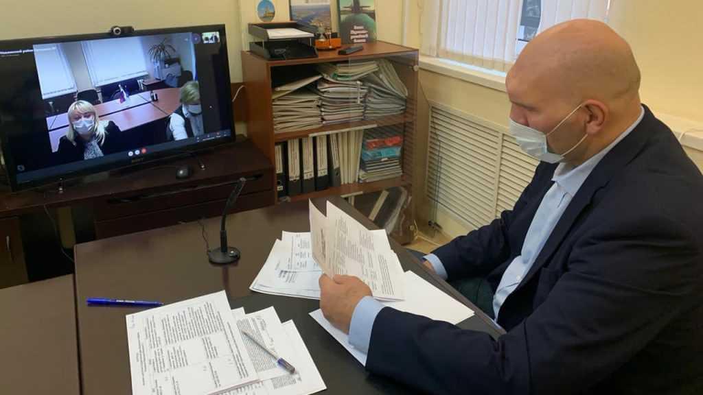 Николай Валуев провёл онлайн-приём граждан в Брянске