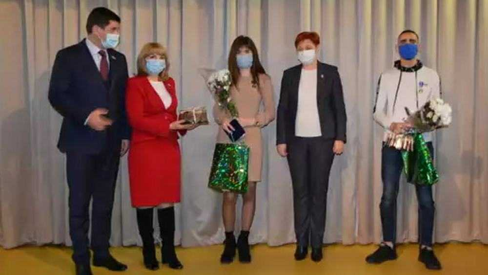 Брянских школьников наградили за героизм медалями Совета Федерации
